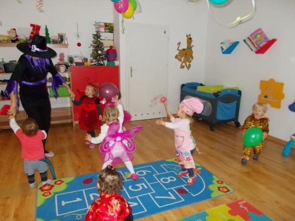 Dzieci w trakcie zabawy 4