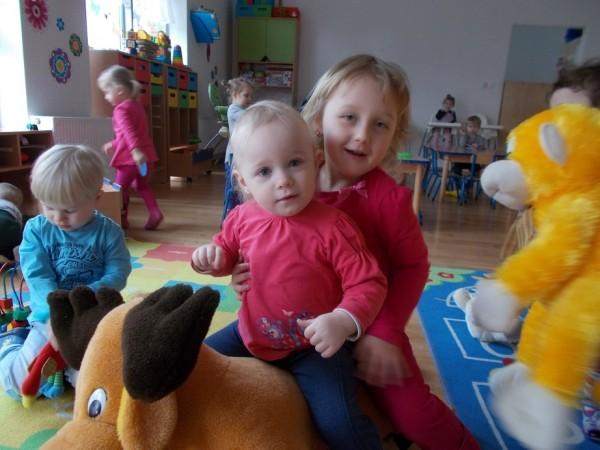 Dzieci w trakcie zabawy 6