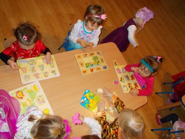 Dzieci w trakcie zabawy 9
